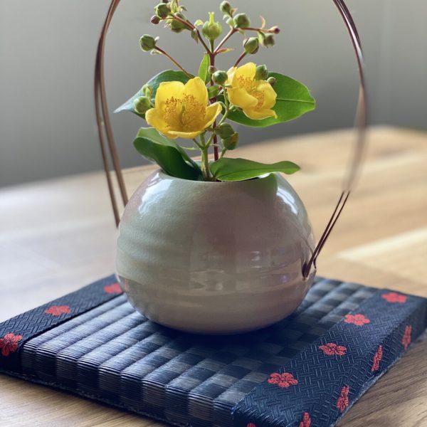 敷き畳 花瓶敷きにすると…